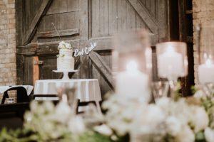 0400-AJW-Minneapolis-Wedding-Photographer-300x200