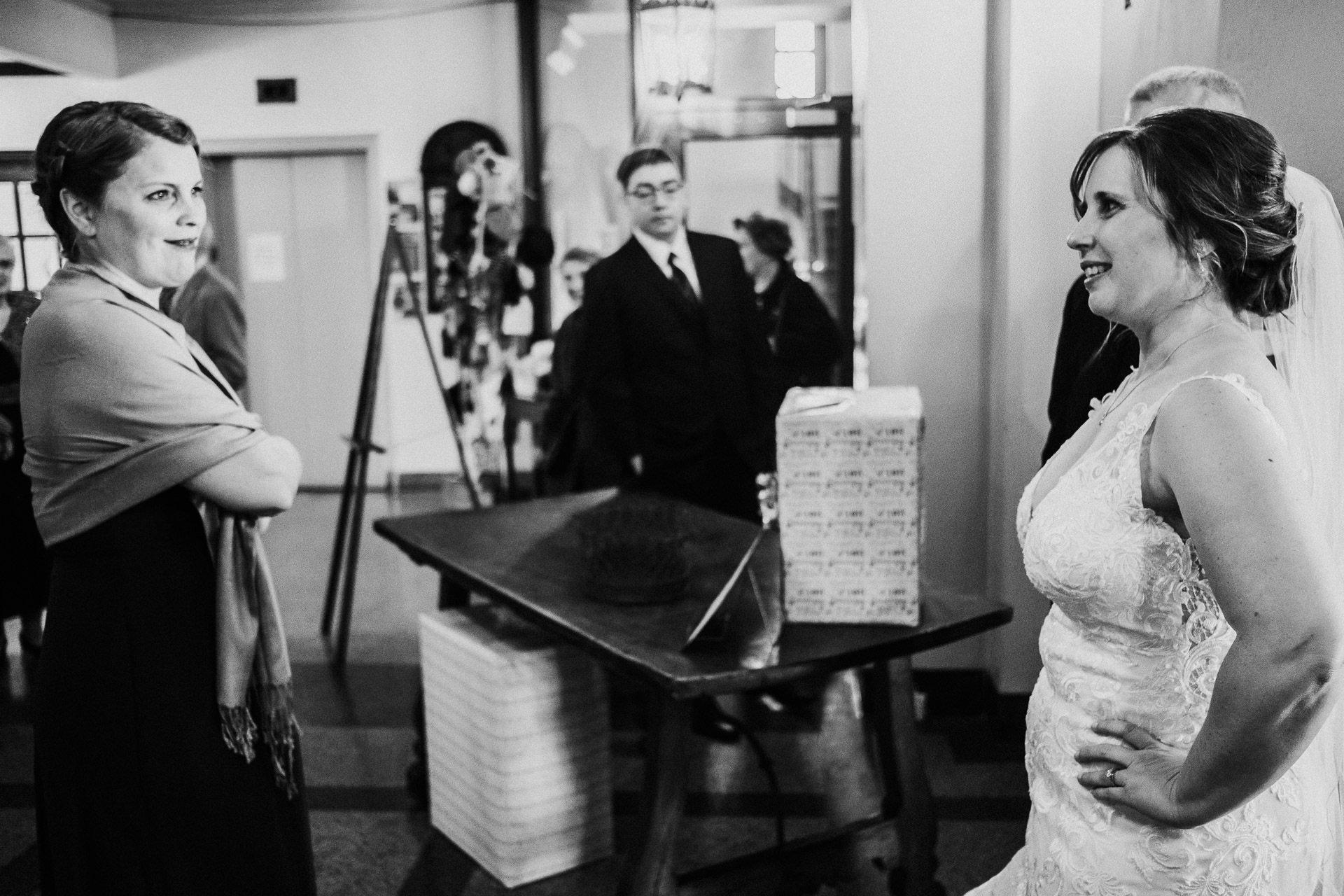 0135-KRW-Womens-Club-Of-Minneapolis-Wedding-Photographer
