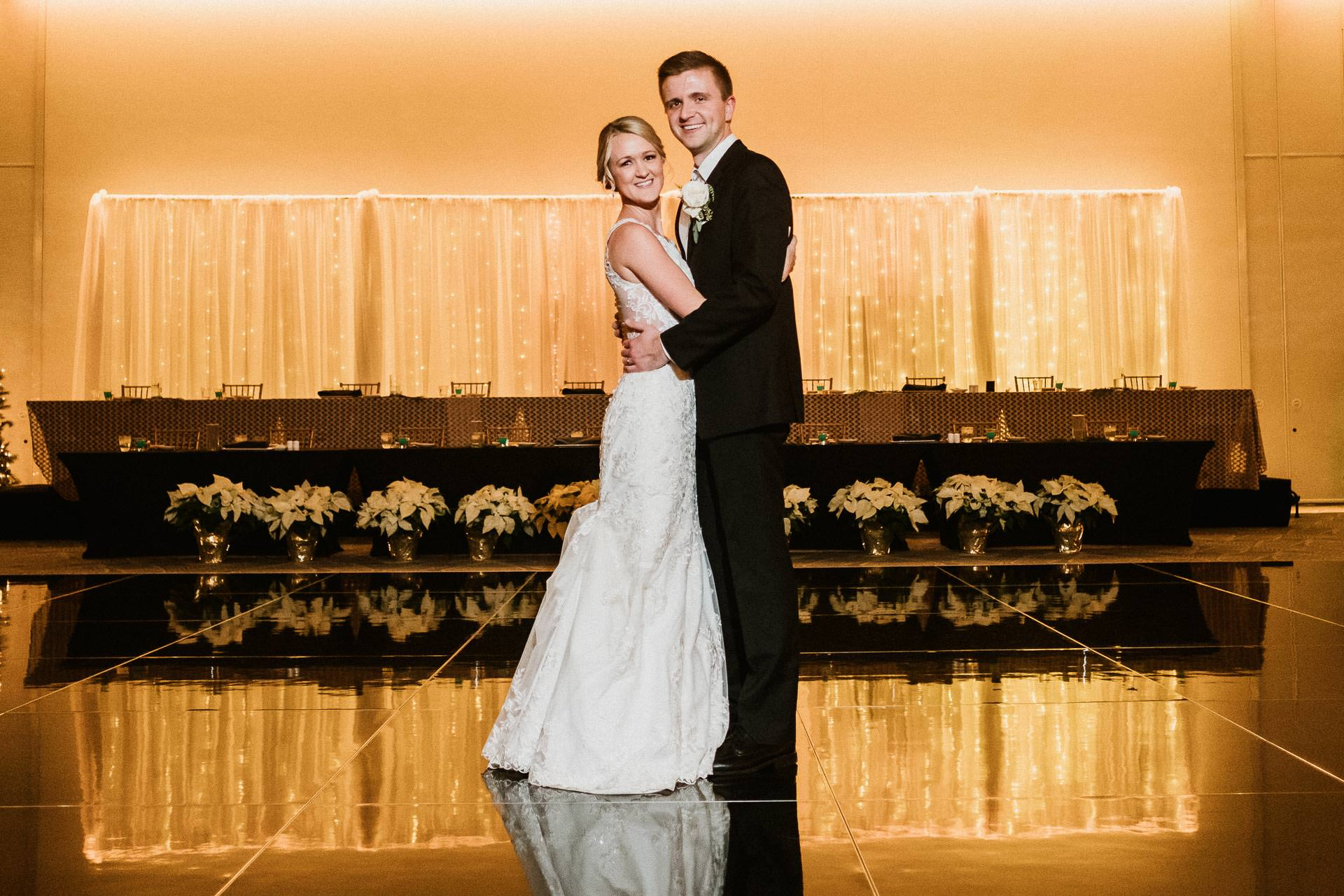0829-GDW-Radisson-Blu-Bloomington-Wedding-Photographer-1
