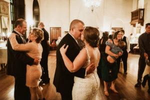 0835-KRW-Womens-Club-Of-Minneapolis-Wedding-Photographer-300x200