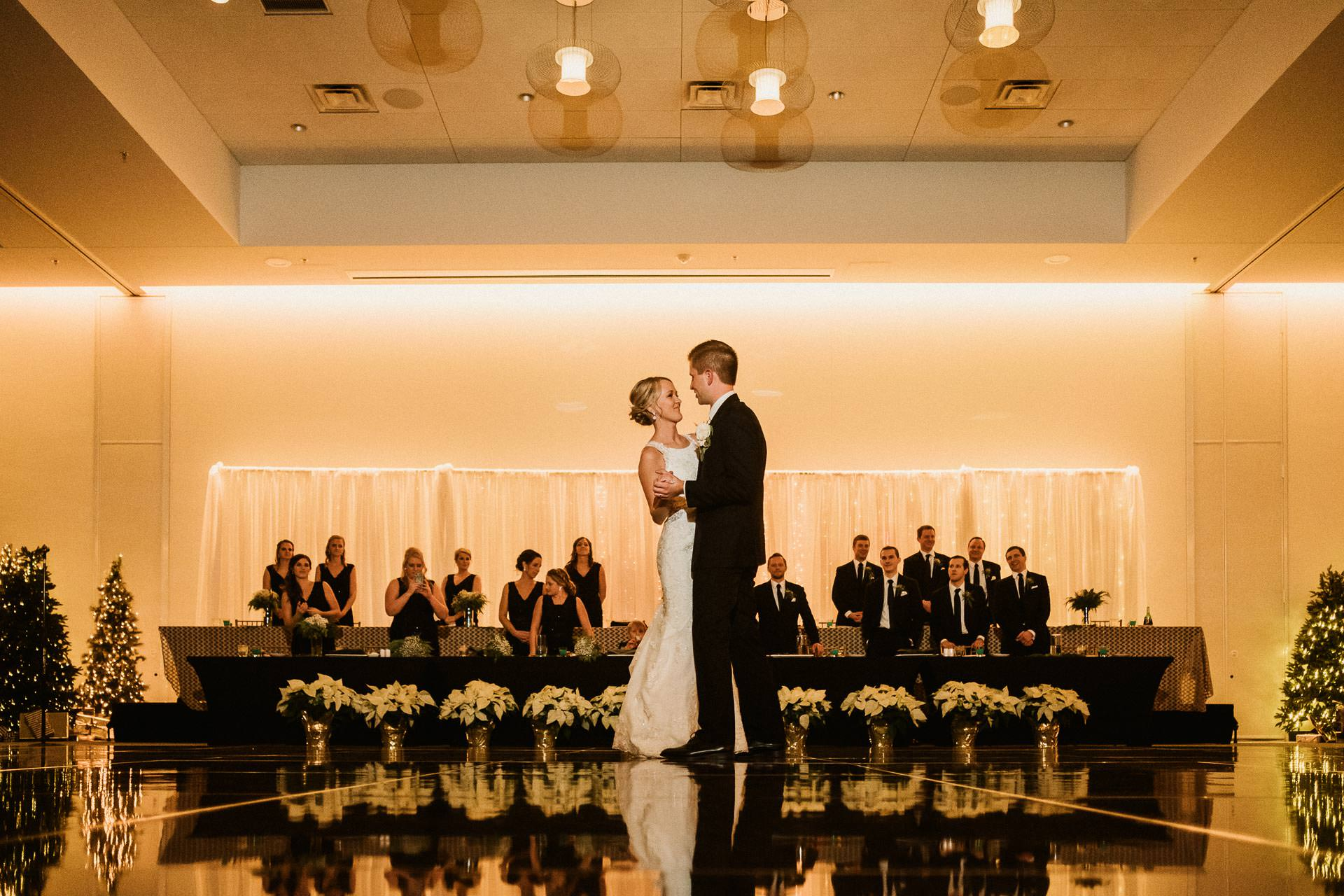 0888-GDW-Radisson-Blu-Bloomington-Wedding-Photographer