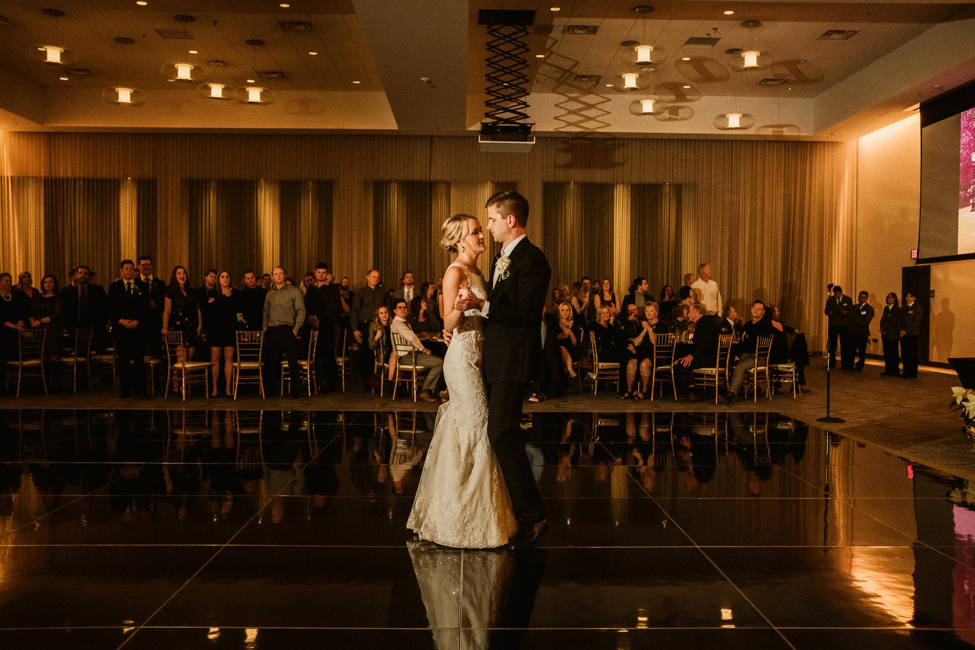 0906-GDW-Radisson-Blu-Bloomington-Wedding-Photographer