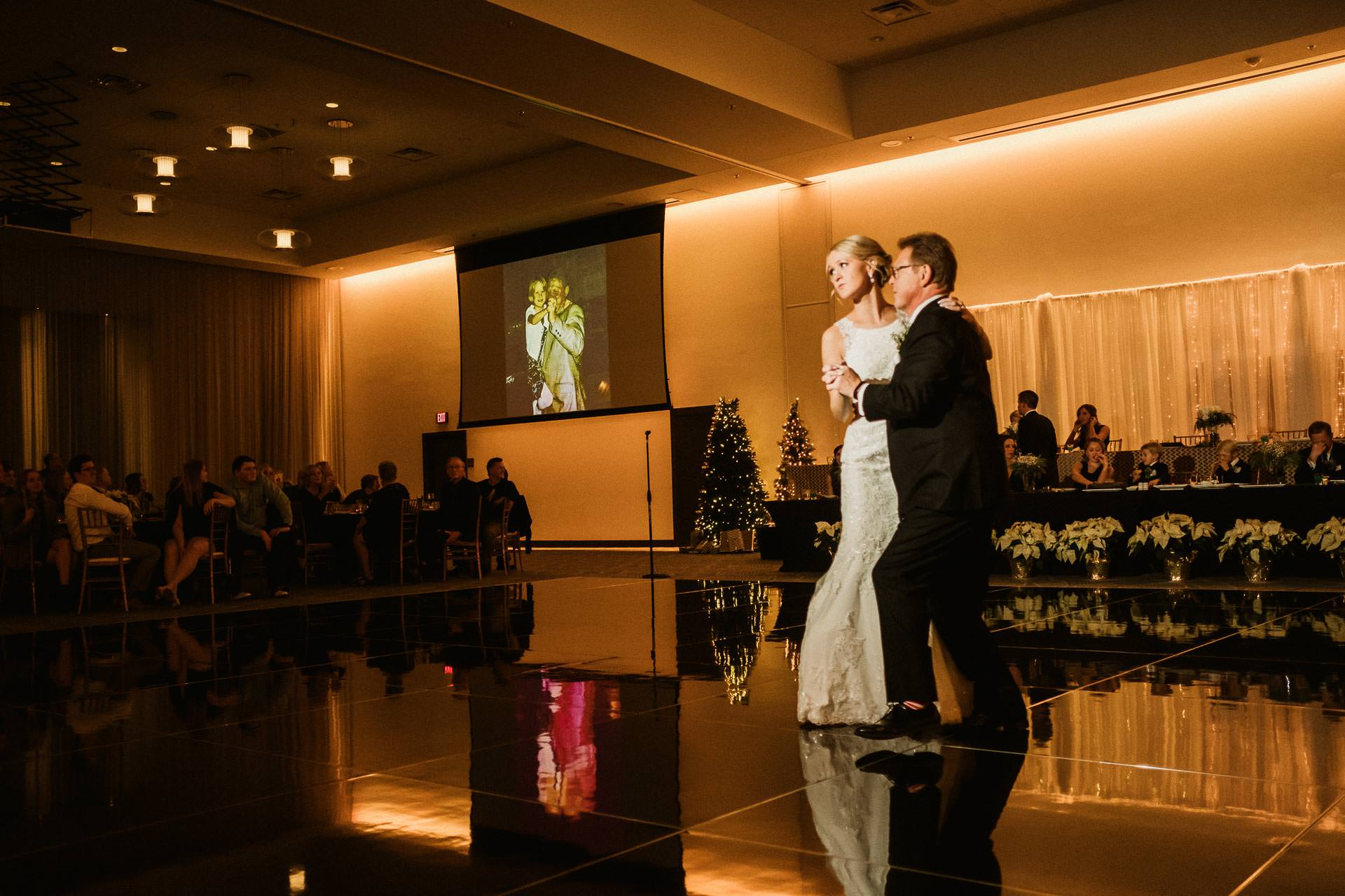 0917-GDW-Radisson-Blu-Bloomington-Wedding-Photographer