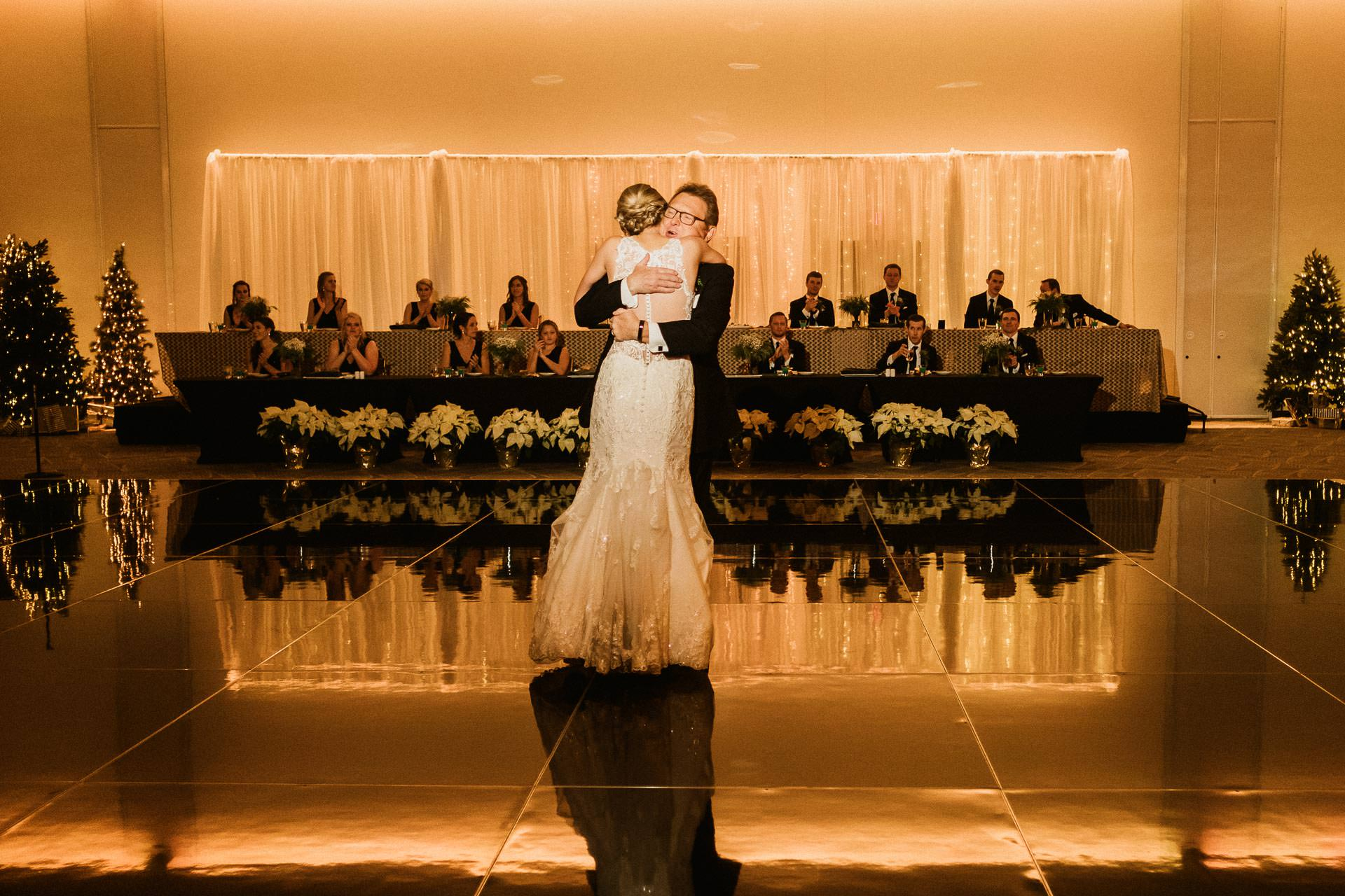 0926-GDW-Radisson-Blu-Bloomington-Wedding-Photographer