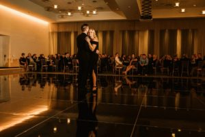 0932-GDW-Radisson-Blu-Bloomington-Wedding-Photographer-300x200